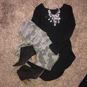 Black top + True Religion Camo Jeans